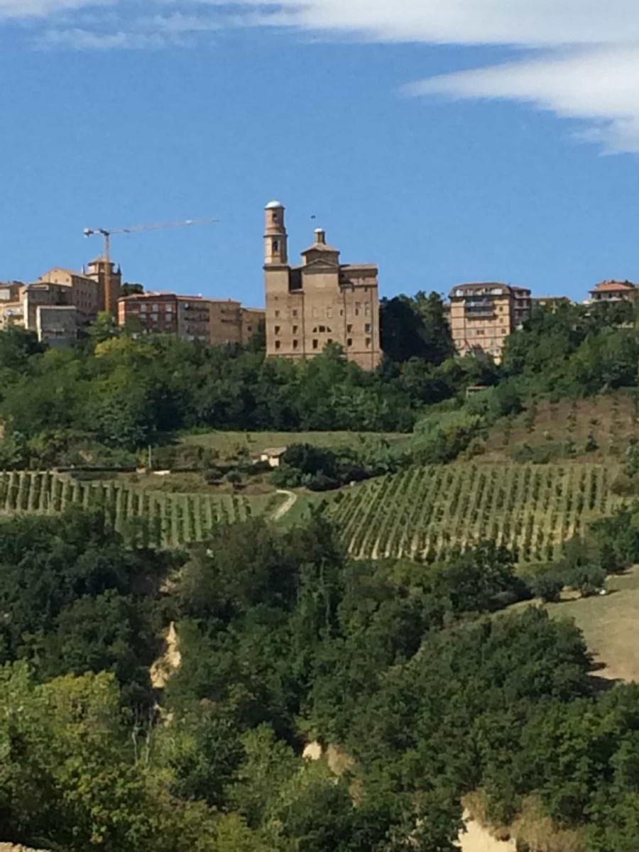 Zicht op Montalto delle Marche